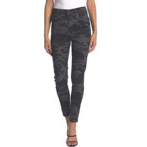Levi's 721 High Rise Skinny Ankle Black Camo Jeans
